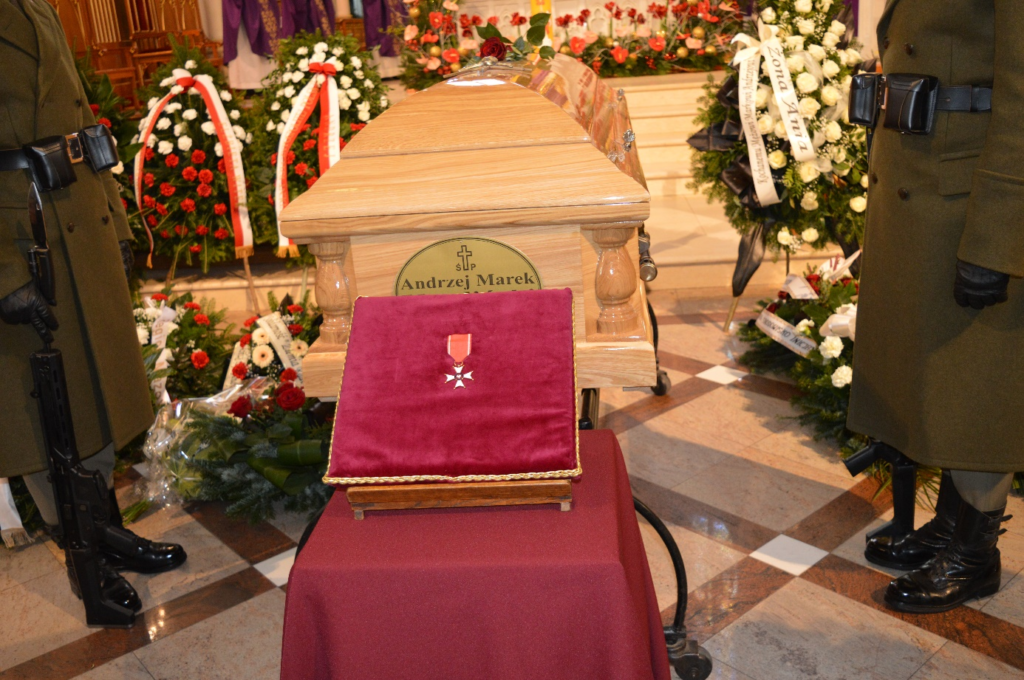 Prezydent RP Andrzej Duda pośmiertnie nadał śp. Andrzejowi Kwalińskiemu Krzyż Kawalerski Orderu Odrodzenia Polski.